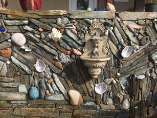 whimsical_stone_wall.1600